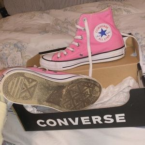 Converse Shoes - Pink high top Converse size 6.5